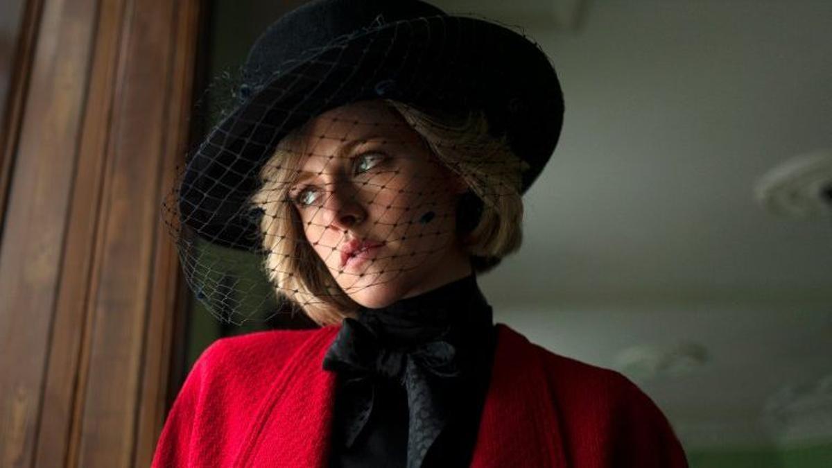 Kristen Stewart, como Diana de Gales, en 'Spencer', de Pablo Larraín.