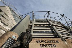 La fachada del campo del Newcastle.
