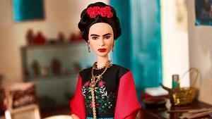 La Barbie que Mattel ha dedicado a la pintora mexicana Frida Kahlo.