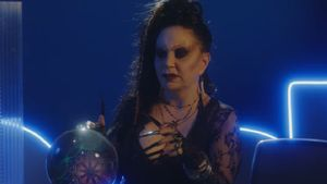 El homenaje de Netflix a 'La bola de cristal' con Alaska para promocionar 'Stranger Things'