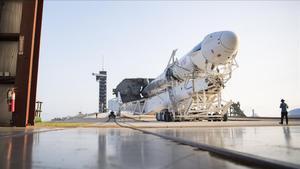 El SpaceX Falcon 9, el transbordador espacial que tiene contratado la Nasa a la empresa de Elon Musk.