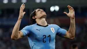 Cavani celebra el segundo gol de su cuenta ante Portugal.