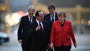 De izquierda a derecha, el primer ministro italiano, Paolo Gentiloni, el francés, François Hollande, el español Mariano Rajoy y la cancillera alemana Angela Merkel.