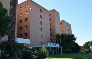 Fachada principal del Hospital Universitario Príncipe de Asturias, en Alcalá de Henares