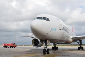 Avión de Asiana en el aeropuerto de Barcelona.