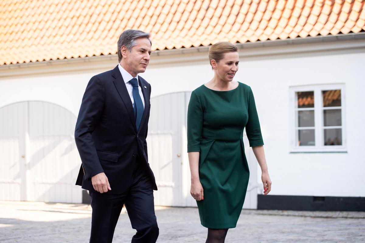 La primer ministra de Dinamarca, Mette Frederiksen, el pasado me de mayo en Copenhagen, junto al secretario de Estado de EEUU, Antony Blinken.