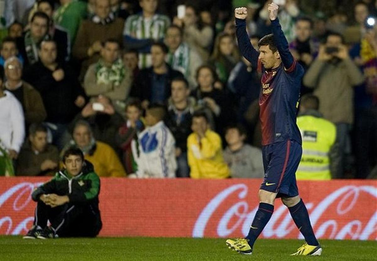 Messi celebra uno de sus dos goles en el Benito Villamarín, en el partido ante el Betis.