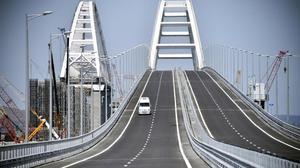 El nueve puente que une Rusia y Crimea.