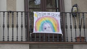 Pancarta con la frase Todo irá bien, en un balcón de Barcelona, el pasado 18 de marzo.