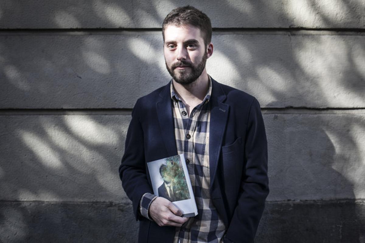 El escritor Matías Candeira presenta en Barcelona su novela 'Fiebre', ganador de la II Beca de Creación Literaria Han Nefkens
