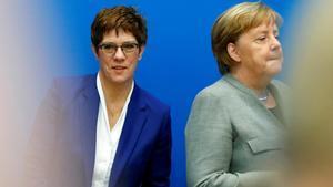 La successora de Merkel no es postularà a la cancelleria després de la crisi de Turíngia