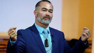 El candidato Billy Te Kahika en una campaña electoral el 9 de Septiembre