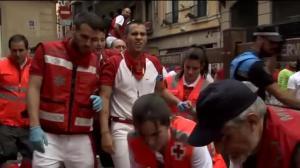 Veloç i net sisè 'encierro' de Sant Fermí altre cop sota la pluja