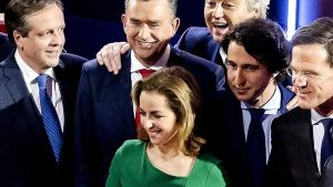 Marianne Thieme, en el centro, junto a otros candidatos a las elecciones holandesas del 2017.