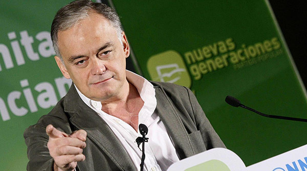 González Pons, vicesecretario general de Estudios y Programas del PP, ha asegurado que su formaciónes un partido de dirigentes tan honrados como todos y el único que puede sacar a España de la crisis.