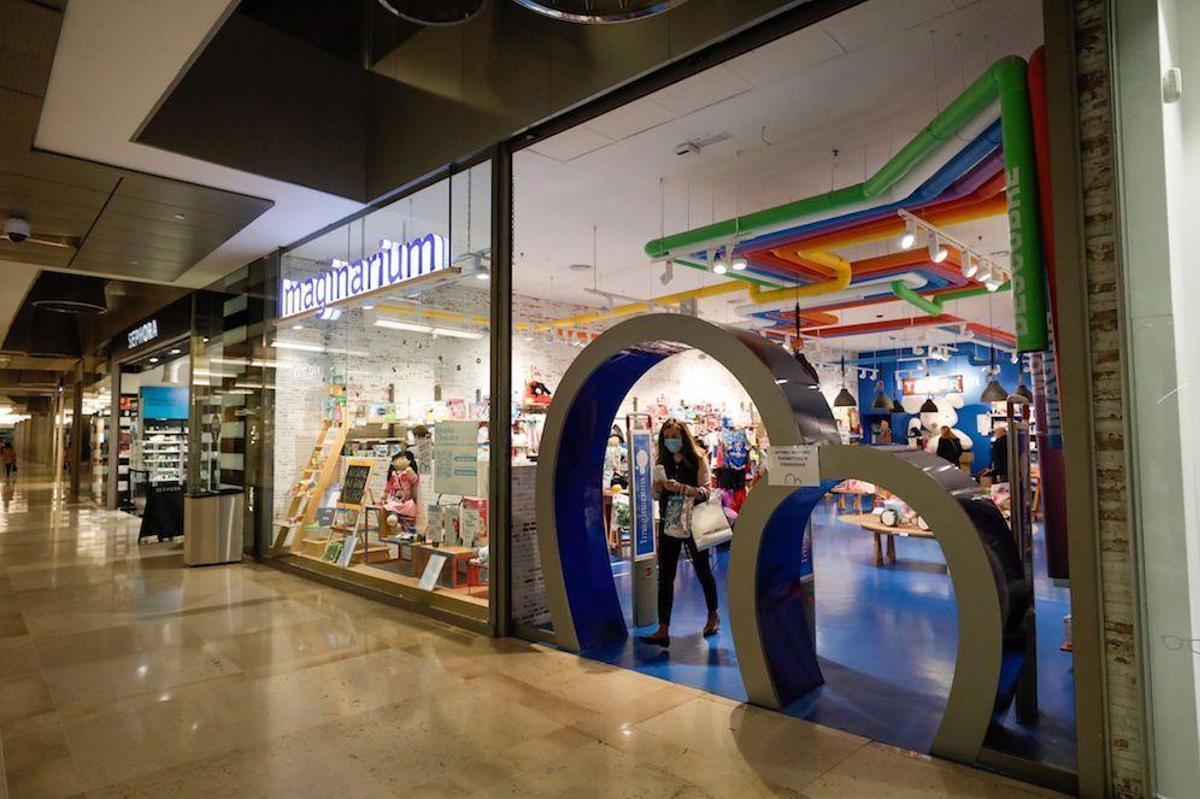 La tienda Imaginarium situada en el centro comercial Aragonia de Zaragoza, una de las pocas que seguirán abiertas.