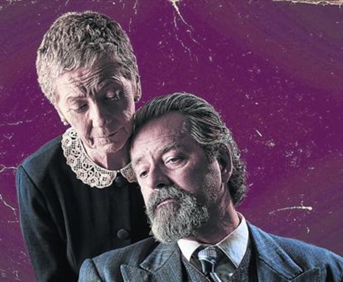 Rosa Novell y Abel Folk, en una de las escenas de 'L'última trobada'.