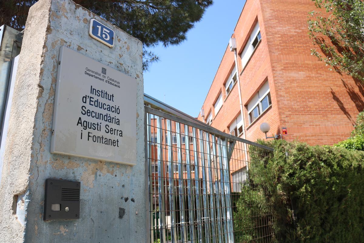 Fachada del instituto Agustí Serra i Fontanet de Sabadell