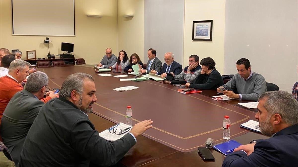 Un momento de la reunión mantenida esta tarde entre responsables de INterior y representantes sindicales de los Mossos d'Esquadra.