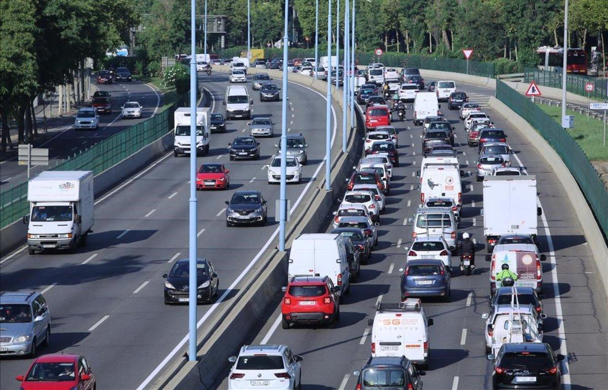 Tráfico en la Ronda de Dalt de Barcelona.