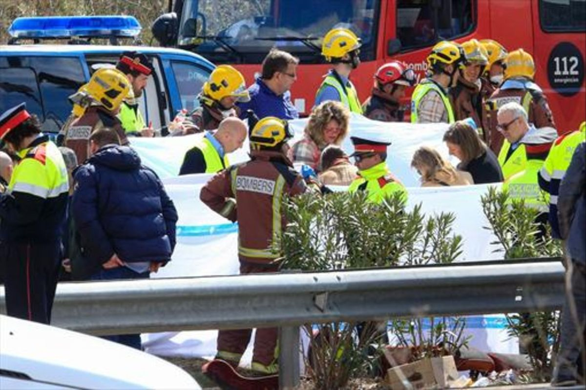 Personal de emergencia, en la zona del accidente.