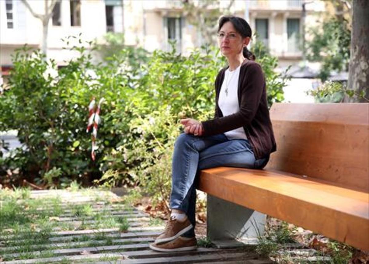 Cecilia Borrás, presidenta de 'Después del suicidio, asociación de Supervivientes', en Barcelona.