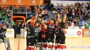 Las jugadoras del Gijón celebran la victoria sobre el Cerdanyola en la final de la Copa de la Reina.