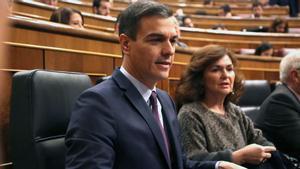 "Sánchez a Rivera: ""Se ha puesto una chaqueta que huele a naftalina, la de la ultraderecha""."