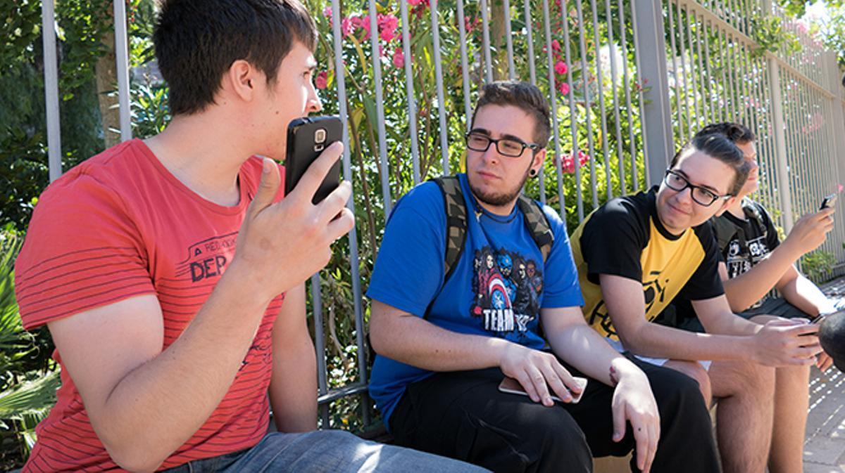 La nueva aplicación de Nintendo desata la locura entre los jóvenes de Barcelona