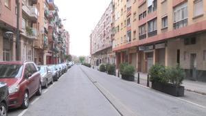 La calle de Reus en la que un hombre ha apuñalado a su mujer, que ha resultado herida grave.