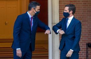 El presidente del Gobierno, Pedro Sánchez, y el líder de la oposición, Pablo Casado, en una cita reciente