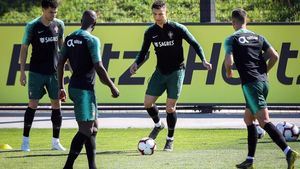 Cristiano Ronaldo, en el entrenamiento con Portugal.