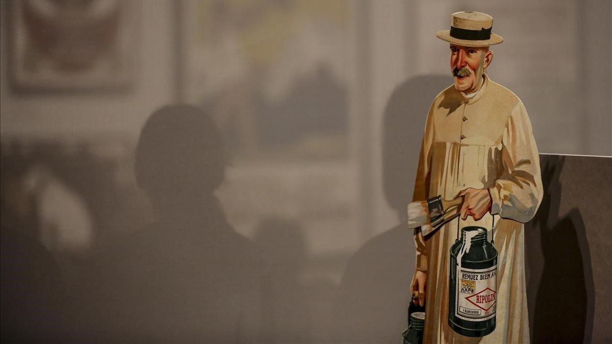 'Showcard' de la marca de esmaltes Ripolin, una de las piezas que exhibe la exposición 'El boom de la publicitat'.