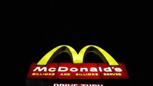 El caballo acabó defecando en el interior del establecimiento de McDonald's.