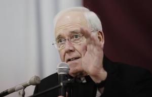 El obispoRichard Malone.