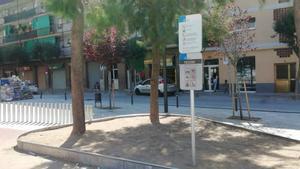 Cartel informativo en la plaza de Joan XXIII.