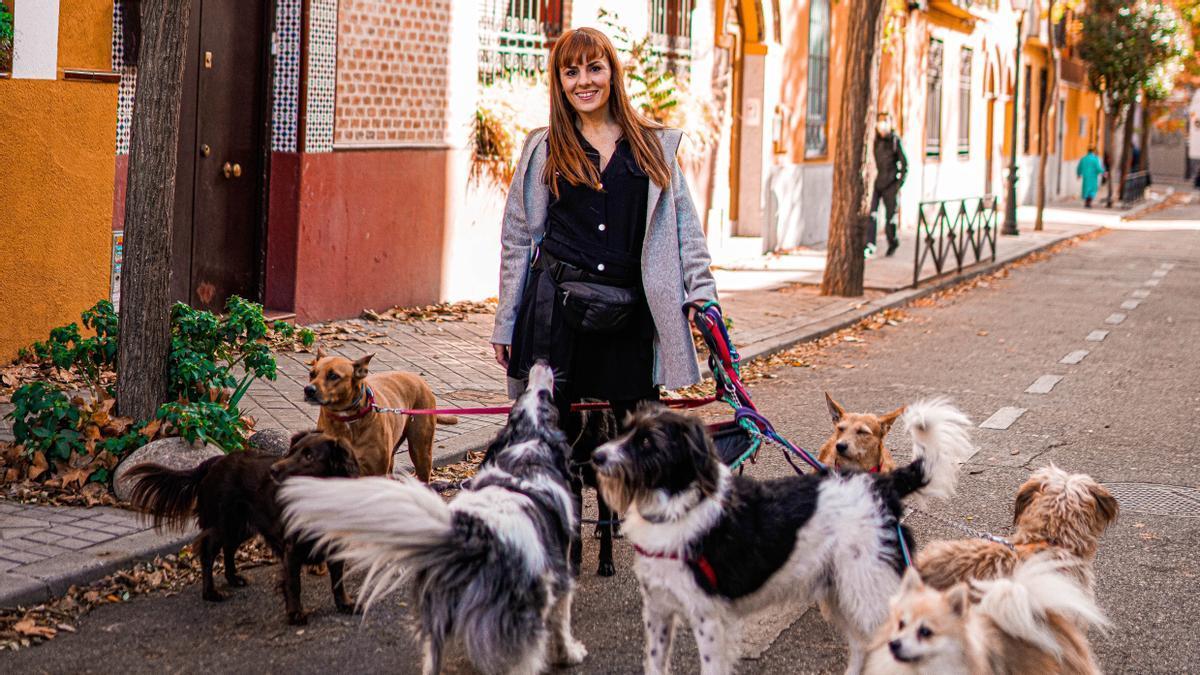 Ainhoa Azcona, educadora y cuidadora canina.