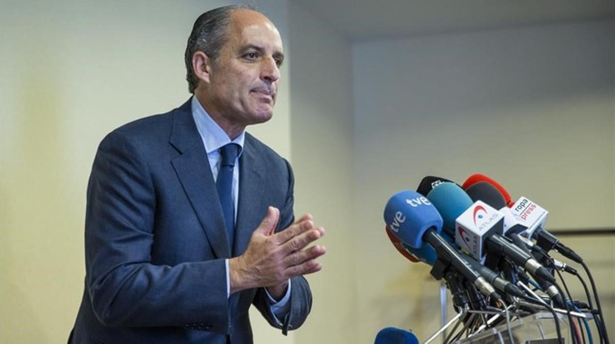 El expresidente de la Generalitat Valenciana, Francisco Camps, durante la rueda de prensa ofrecida este lunes al mediodía.