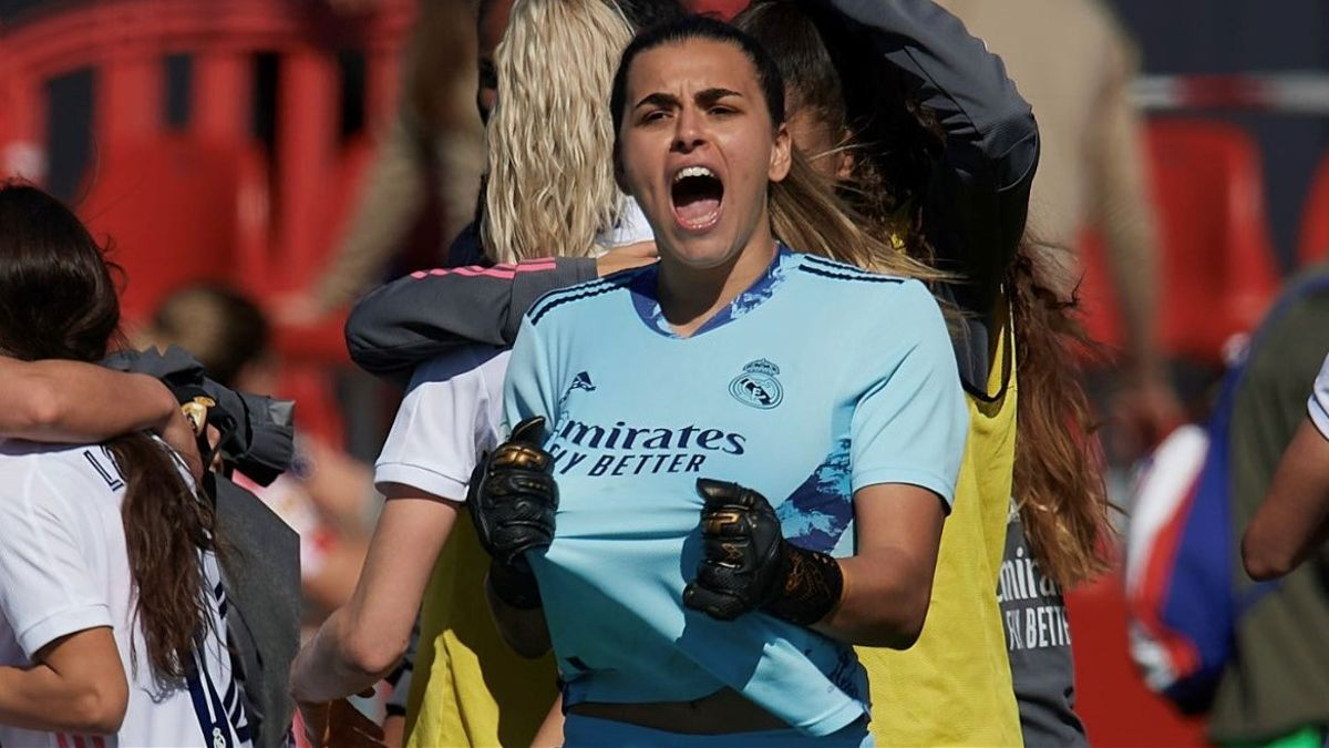 La portera Misa Rodríguez celebra un triunfo del Real Madrid.