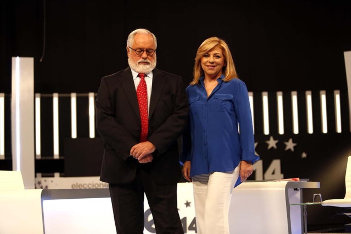 Los candidatos a las elecciones europeas de PSOE (Elena Valenciano) y PP (Miguel Arias Cañete), en el cara a cara celebrado en televisión el pasado 15 de mayo.