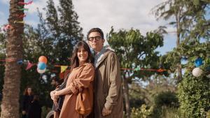 Eva Ugarte y Berto Romero, en la segunda temporada de la serie 'Mira lo que has hecho'.