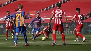 Messi, en una jugada del partido entre el Barça y el Atlético de Madrid.