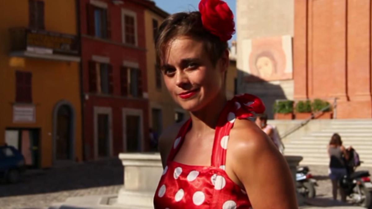 'Reverso' es un cortometraje protagonizado por Jessica Arpin y dirigido por Francesco Zucchi.