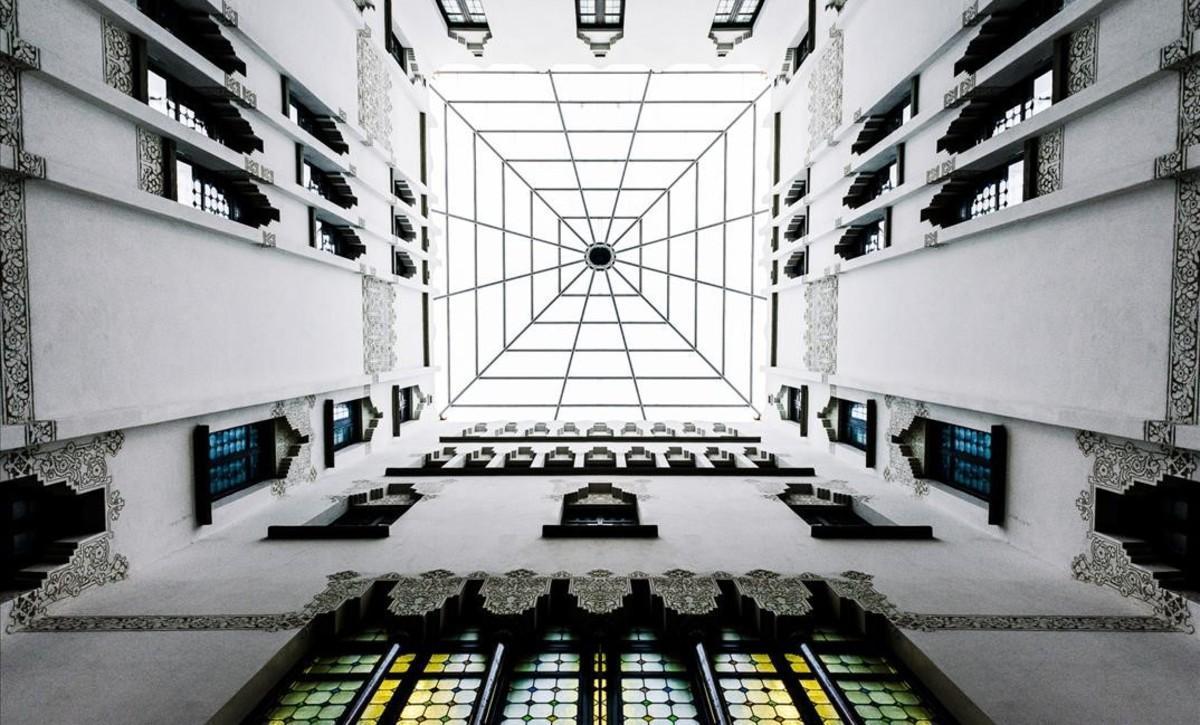 La 'teleraña' del Palau Macaya.