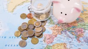 Com es poden augmentar els estalvis invertint en bancs estrangers.