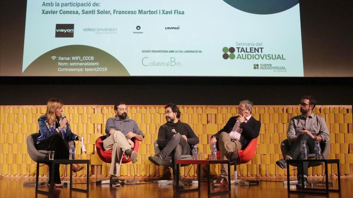 La moderadora del acto Xantal Llavina, con los ponentes Xavier Conesa (Visyon), Xavi Fisa (Lavinia Voice), Santi Soler (Videoconversion) y Francesc Martori (Konodrac).