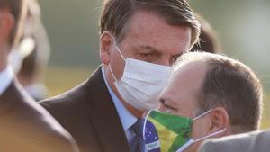 Bolsonaro busca el vot dels seguidors de Lula gràcies al subsidi