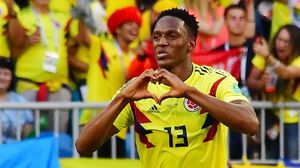 Yerry Mina celebra el gol marcado a Senegal.