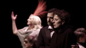 La actriz Míriam Iscla, en 'Galatea', personaje protagonista del título de Josep Maria de Sagarra que Ragel Duran dirige en el TNC.