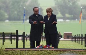 Hollande i Merkel reivindiquen la unitat d'Europa en Verdun